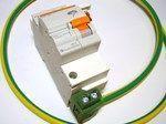 <p> Liigpingepiirik tüüp 2, Merlin Gerin, DomL102F230, 16612, koos 78cm(16mm²) maandusjuhtmega</p>