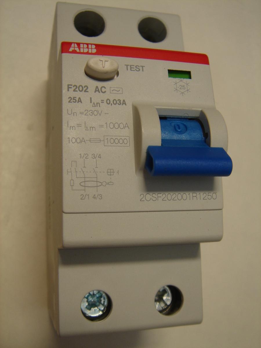 Ostan rikkevoolukaitselüliteid 1-faasilisi 25 A. ja 40 A, 30mA(0,03A), ABB