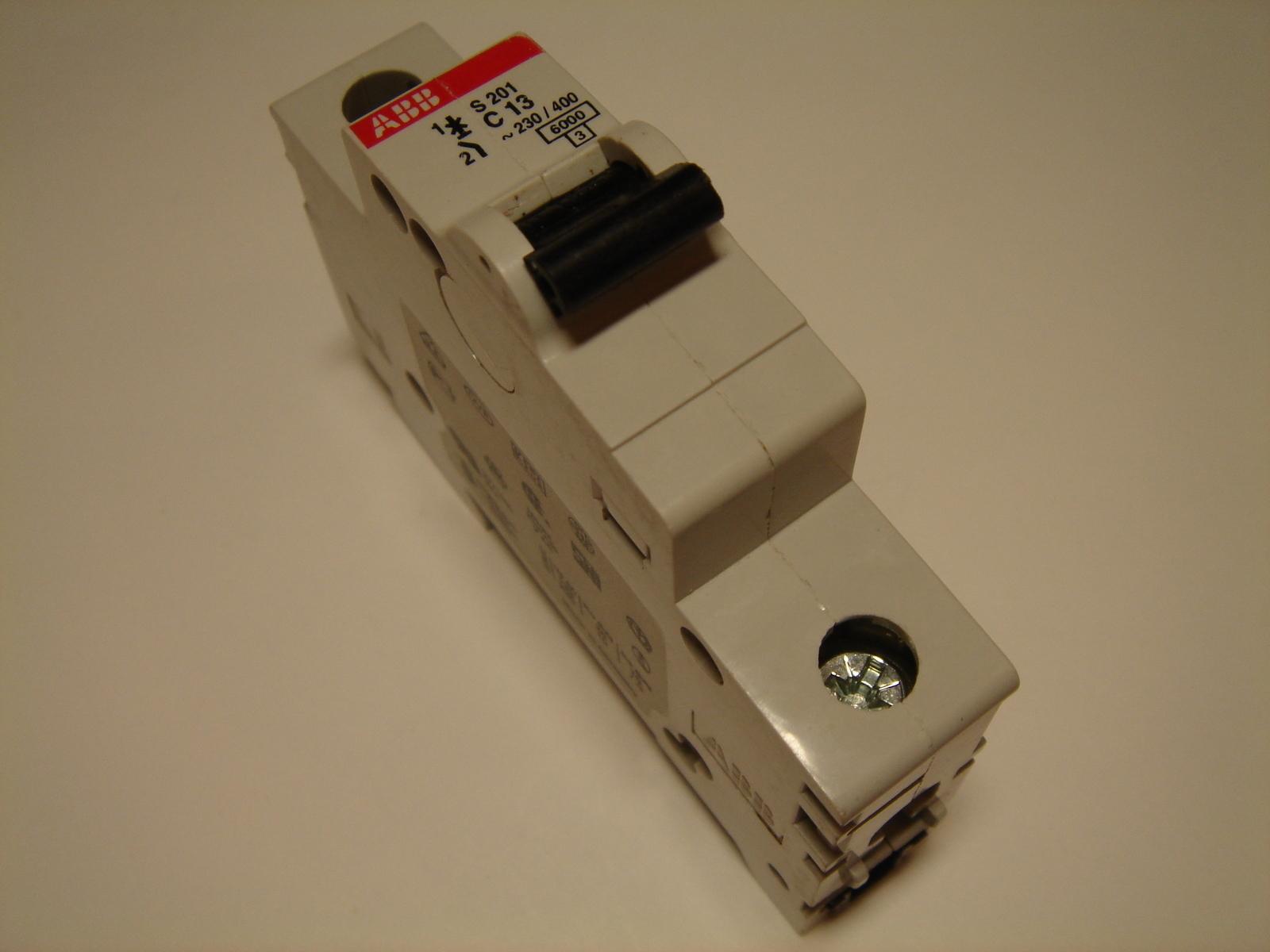 Ostan moodulkaitselüliteid 1-faasilisi, C 13A, ABB, S201