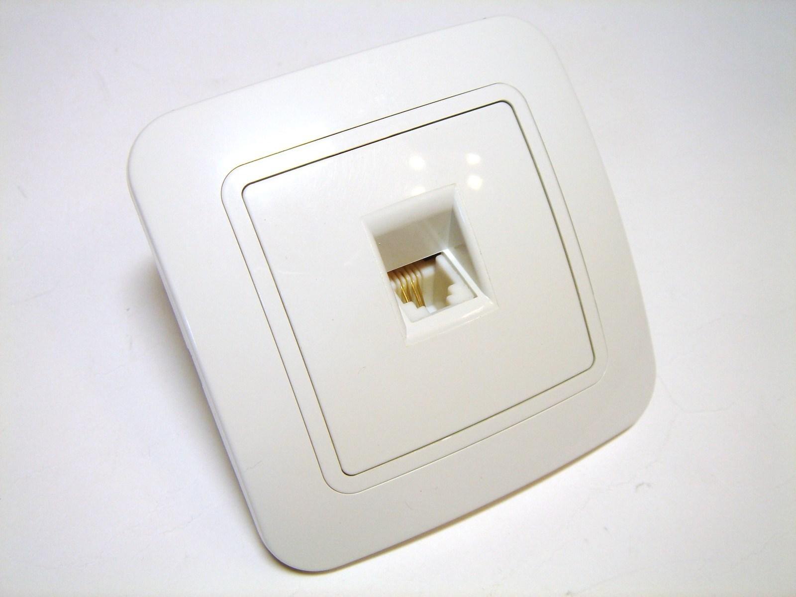 Telefoni süvispaigaldusega pistikupesad Makel (sari - Lillium)