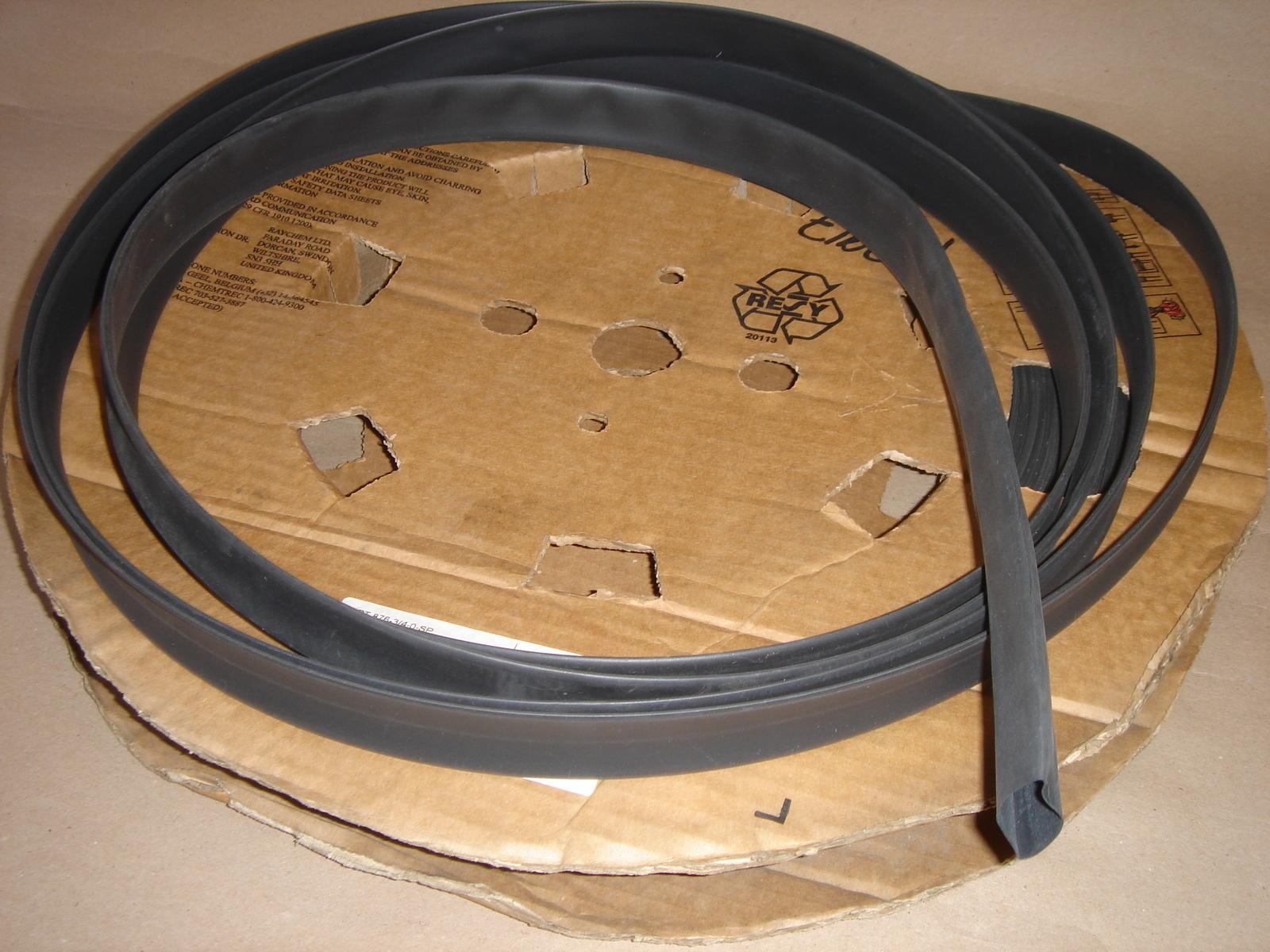 Termokahanev toru 4,8/2,4 mm, must, Plastronic
