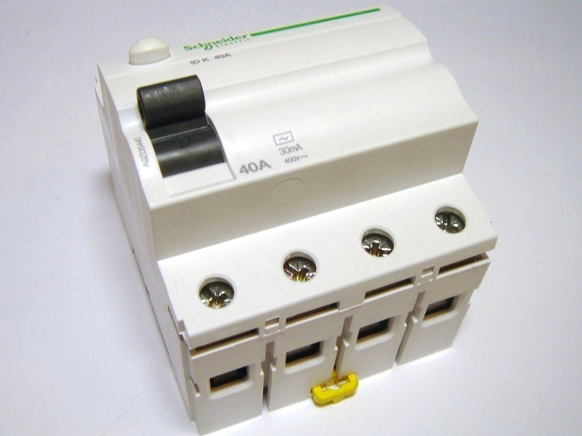 Rikkevoolukaitse 3-faasiline 40 A, 30mA(0,03A), Schneider Electric, A9Z05440, Acti 9 K, 047391