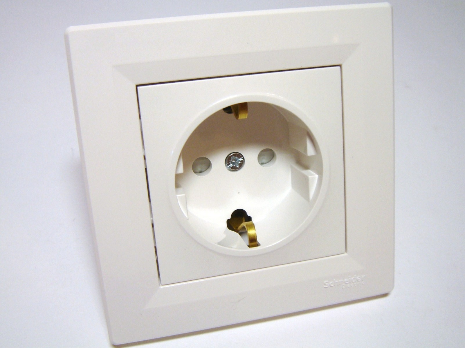 Süvispaigaldusega pistikupesa Schneider Electric (sari - Asfora), EPH2900221
