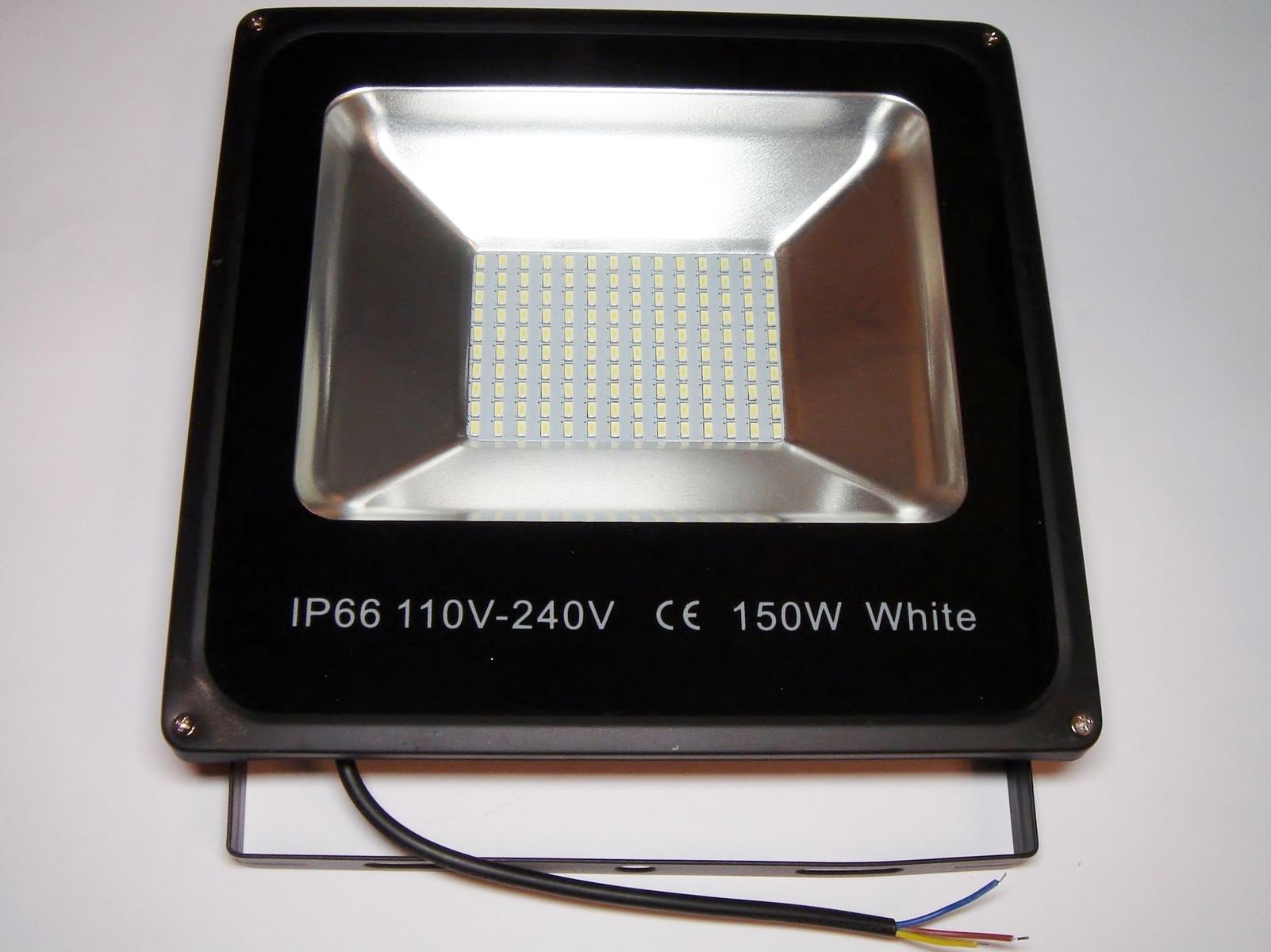 LED  prozektor 150 W.