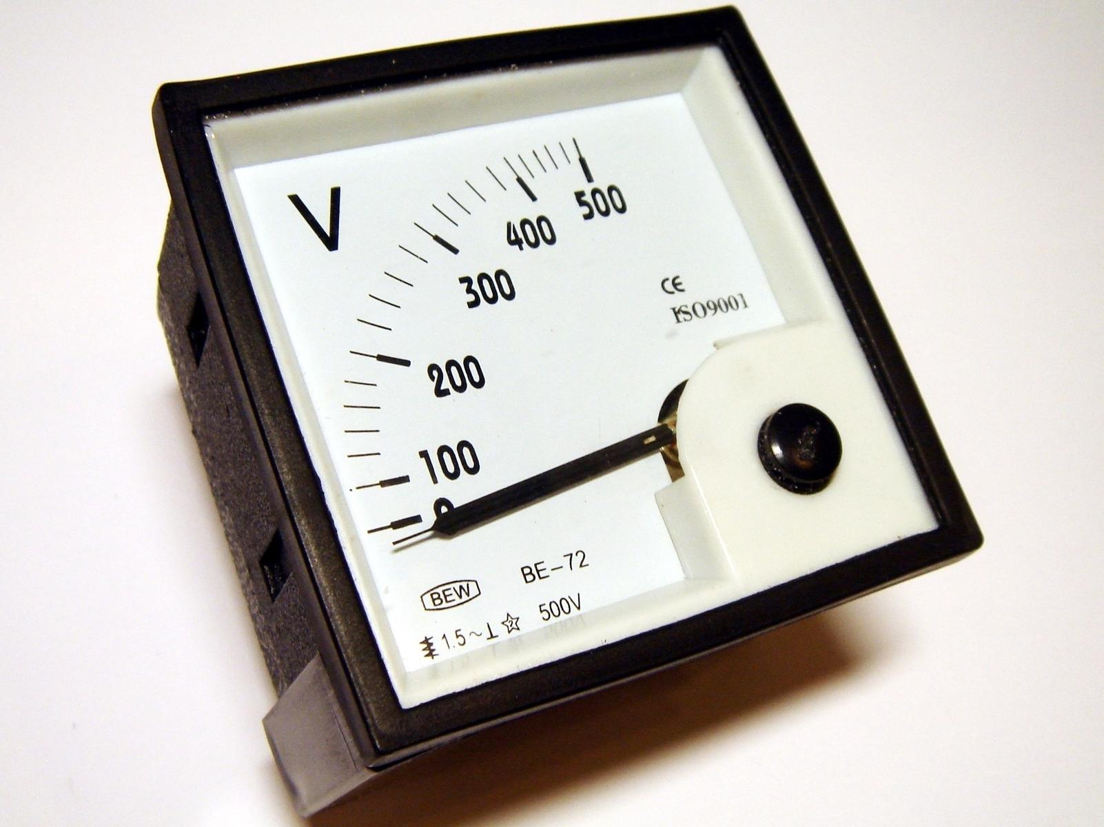 Voltmeeter analoog 0-500V, BE-72, Bew