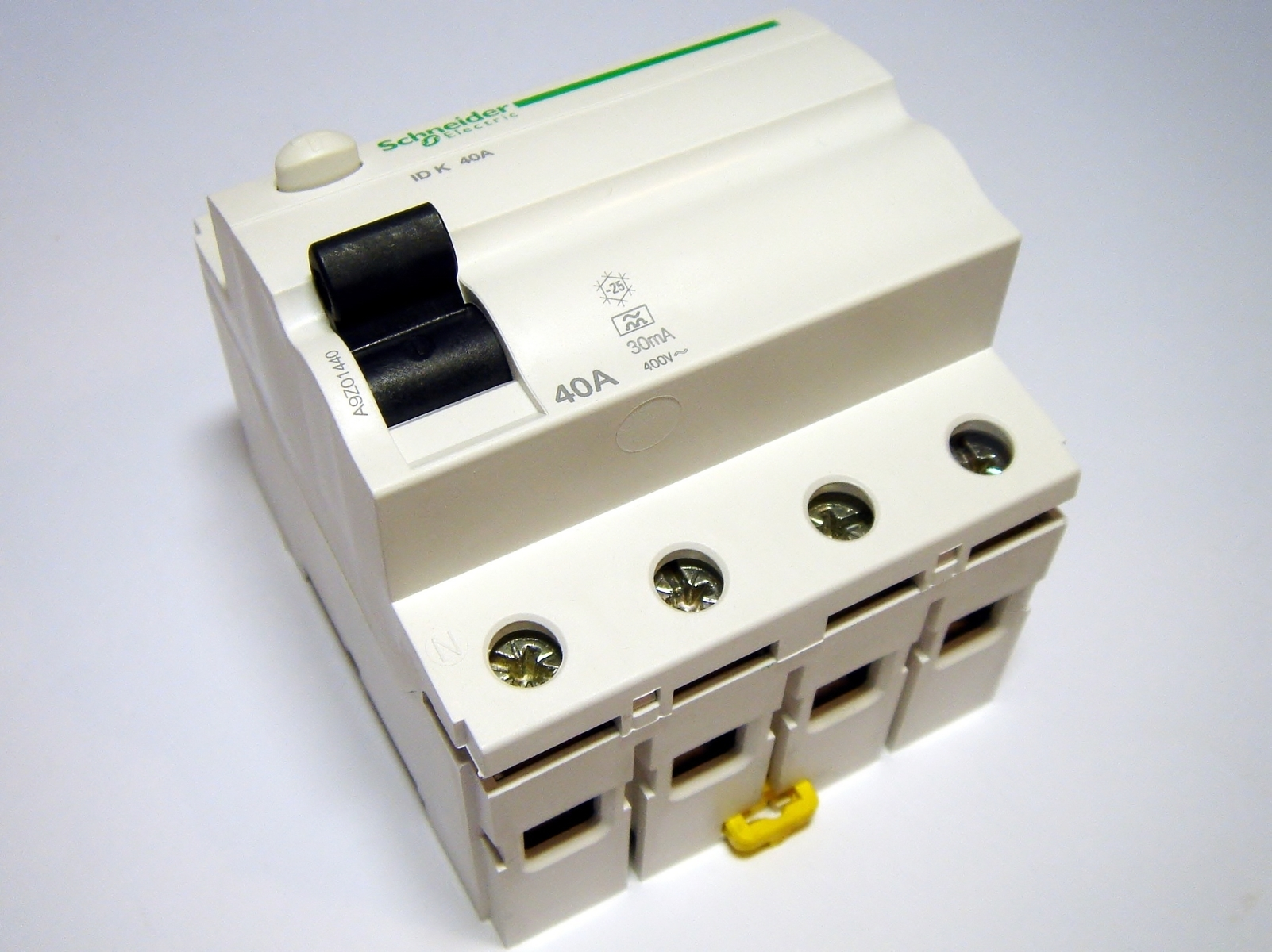 Rikkevoolukaitse 3-faasiline 40 A, 30mA(0,03A), Schneider Electric, A9Z01440, Acti 9 K, 048278