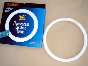 "<p> Rõngaslamp 40 W, Luxram, 40W/G10q, <span style=""color: #ff0000"">4-PIN</span>, 348010040</p>"