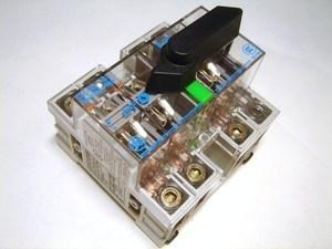 <p> Moodul-pöördlüliti 3-faasiline 63A, DILOS1-63, D/061314-201, General Electric, 730055</p>