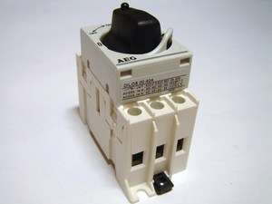 <p> Moodul-pöördlüliti 3-faasiline 40A, DILOS 00, General Electric, AEG</p>