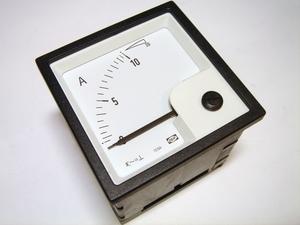 <p> Ampermeeter analoog 0-10A, EQ72-x, Deif</p>