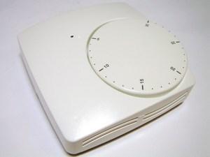 <p> Vesipõrandakütte termostaat Basic 230V, WFHT BAS 230V ANC, 10021095/P02612</p>