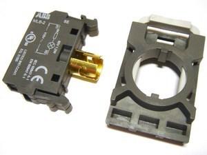 <p> Lambipesa koos raamiga 3-le kontaktile, MCBH-002, ABB, 1SFA611605R1300</p>