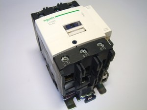 <p> Kontaktor 3-faasiline 125A(80kW), LC1D95P7, Schneider Electric, 045173</p>