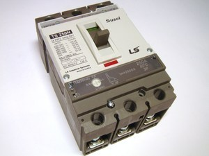 <p> Kaitselüliti 3-faasiline, 250A, Susol, TS250FMU, LS Industrial Systems</p>