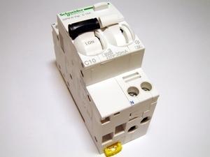 <p> Aвтомат тока утечки с автоматическим выключателем 1-фазный, C 10A, 30мA(0,03A), Schneider Electric, Acti 9 iDPN N Vigi, A9D32610, 047205</p>