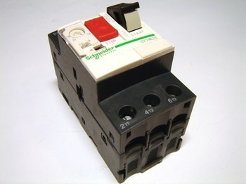 <p> Aвтомат защиты электродвигателя 3-фазный 13-18A, Schneider Electric, GV2ME20, 034319</p>