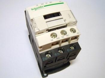 "<p> Kontaktor 3-faasiline 25A(16kW), LC1D12P7, Schneider Electric<span style=""display: none"">&nbsp;</span>, 034930</p>"