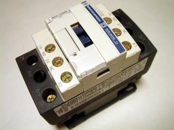 <p> Kontaktor 3-faasiline 50A(32kW), LC1D38P7, Schneider Electric, 035261</p>