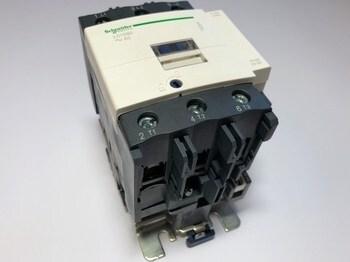 <p> Kontaktor 3-faasiline 125A(80kW), LC1D80P7, Schneider Electric, 044282</p>