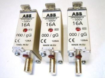 <p> Плавкие предохранители 16A, OFAF000H16, ABB, 1SCA022627R0660</p>