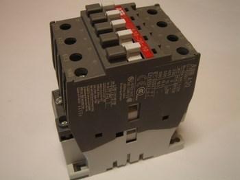 <p> Ostan kontaktoreid 3-faasilisi 55A, AF30, ABB</p>