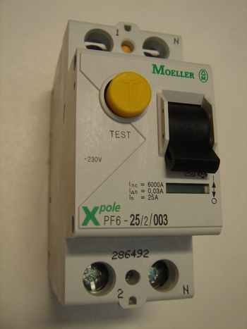 <p> Куплю автоматы тока утечки 1-фазные 25 A. и 40 A, 30mA(0,03A), Moeller</p>