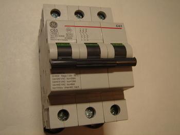 <p> Ostan moodulkaitselüliteid 3-faasilisi, C 63A, General Electric</p>
