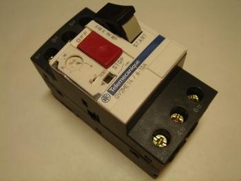 <p> Куплю автоматы защиты электродвигателя 3-фазные 6 -10A.</p>
