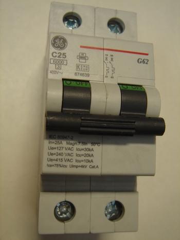 <p> Ostan moodulkaitselüliteid 2-faasilisi, C 25A, General Electric</p>