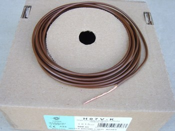 <p> Vask juhe 1,5 mm², pruun, H07V-K1,5, kiuline</p>