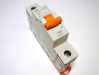 <p> Moodulkaitselüliti 1-faasiline C 10A, General Electric, 690554, DG61C10</p>