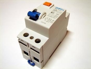 <p> Aвтомат тока утечки 1-фазный 40 A, 30мA(0,03A), Chint, NL1-63, 93242</p>