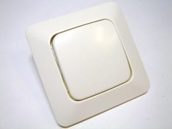 <p> Lihtlüliti(ühe klahviga) süvispaigaldusega ABB (sari - Jussi), 1061U, 2TKA000127G1</p>