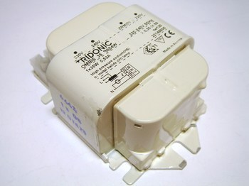 <p> Ballast 35 W, Tridonic, OMBIS 35 B604W, 22148600</p>