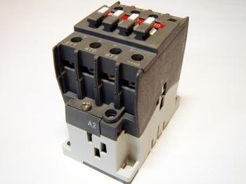 <p> Kontaktor 3-faasiline 45A(29kW), A26-30-10, ABB, 1SBL241001R8010</p>