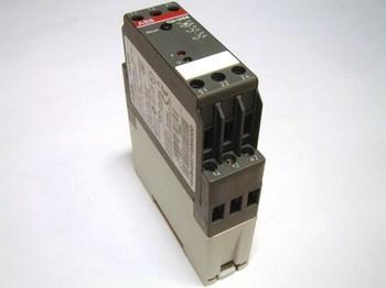 <p> Реле термисторной защиты электродвигателя, CM-MSS, ABB, 1SVR430710R9300</p>