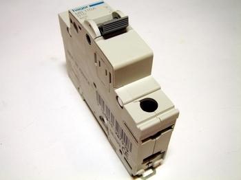 <p> Модульный автоматический выключатель 1-фазный, B 10A, Hager, MB110A, 432701</p>