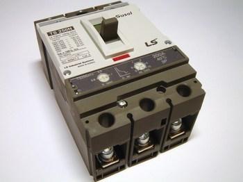 <p> Aвтоматический выключатель 3-фазный, 200A, Susol, TS250ATU, LS Industrial Systems</p>