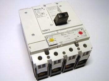 <p> Автоматический выключатель 3-фазный + ноль, 250A, Moeller, NZMB2-4-A250/160, 265856</p>