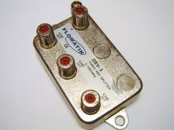 <p> TV signaali jagaja 1 sisse - 3 välja 6,5dB, DSV-3, Flomatik</p>