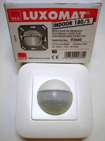 <p> Датчик движения Luxomat Indoor 180/ Slave, 92660, B.E.G.</p>