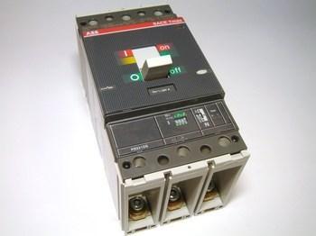 <p> Автоматический выключатель 3-фазный, 320A, ABB, SACE Tmax T4N320, 1SDA054118R1</p>