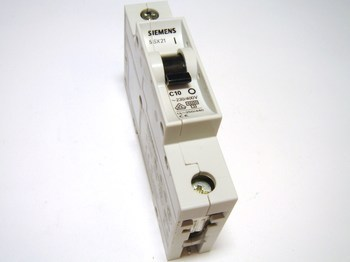 <p> Moodulkaitselüliti 1-faasiline, C 10A, Siemens, 5SX2 110-7</p>