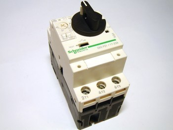 <p> Mootorikaitselüliti 3-faasiline 17-23A, Schneider Electric, GV2P21, 021352</p>