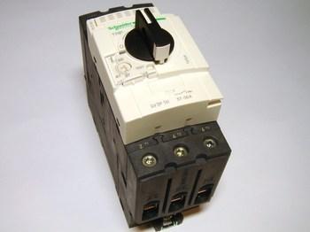 <p> Mootorikaitselüliti 3-faasiline 37 - 50A, Schneider Electric, GV3P50, 940540</p>
