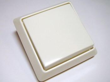 <p> Veksellüliti(ühe klahviga) süvispaigaldusega ABB (sari - Allwetter44), 2006/6 US-507</p>