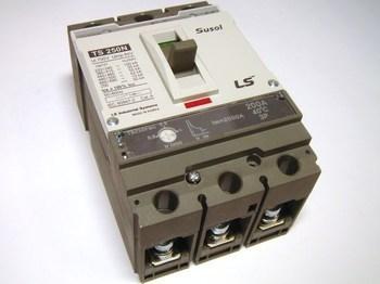 <p> Aвтоматический выключатель 3-фазный, 200A, Susol, TS250FMU, LS Industrial Systems</p>