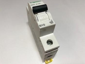 <p> Moodulkaitselüliti 1-faasiline, B 10A, Schneider Electric, K60N, A9K01110, 047813</p>