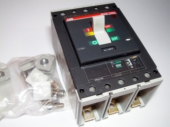 <p> Автоматический выключатель 3-фазный, 630A, ABB, SACE Tmax T5N630, 1SDA054397R1</p>