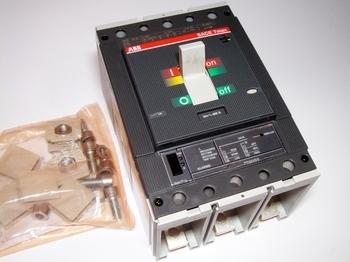 <p> Автоматический выключатель 3-фазный, 400A, ABB, SACE Tmax T5N400, 1SDA059531R1</p>